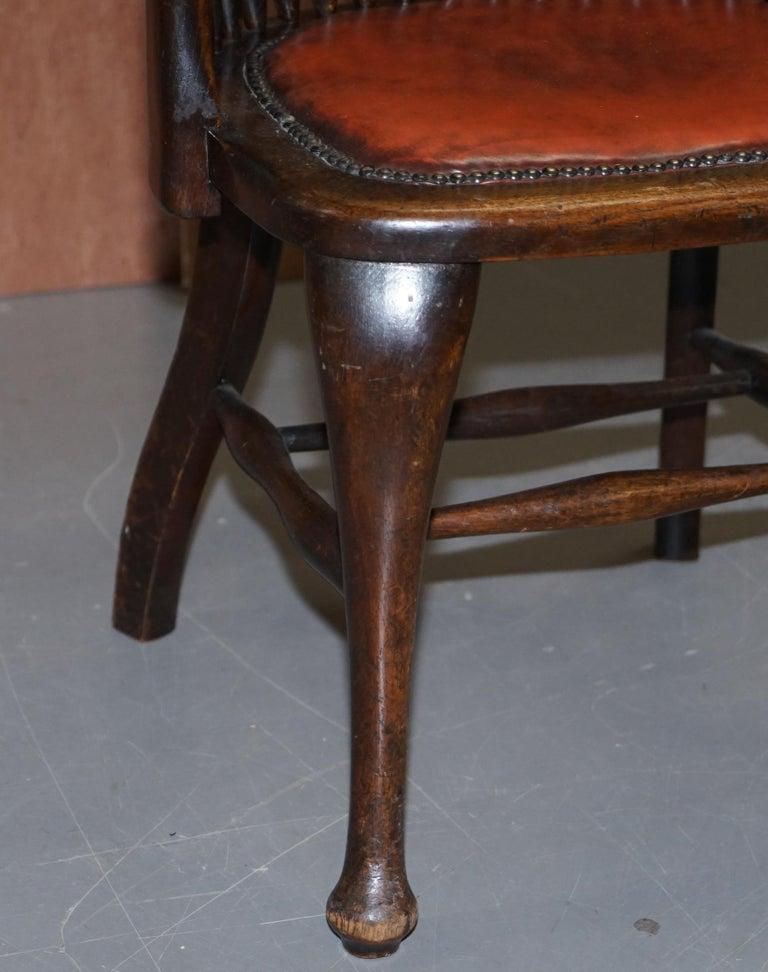 Lovely Antique English Edwardian Ralph Johnson Oak Captains Office Desk Armchair For Sale 4