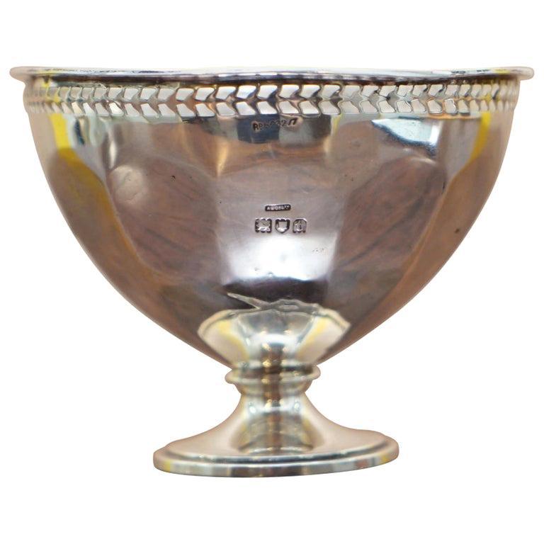 Lovely Asprey & Co Ltd London Sterling Silver Fully Hallmarked 1914 London Bowl For Sale