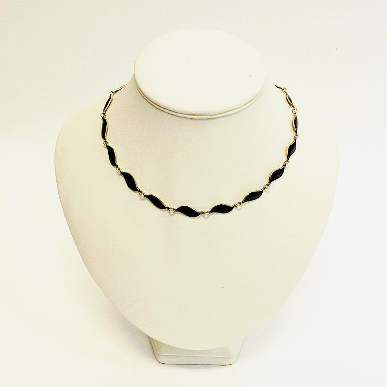 Lovely Black Enameled Necklace by Aksel Holmsen, 1950s, Norway In Good Condition For Sale In Stockholm, SE