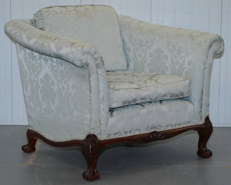 Lovely Brights of Nettlebed Three Piece Sofa & Armchair Suite Damask Upholstery For Sale 10