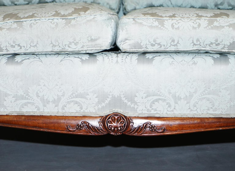 Lovely Brights of Nettlebed Three Piece Sofa & Armchair Suite Damask Upholstery For Sale 1