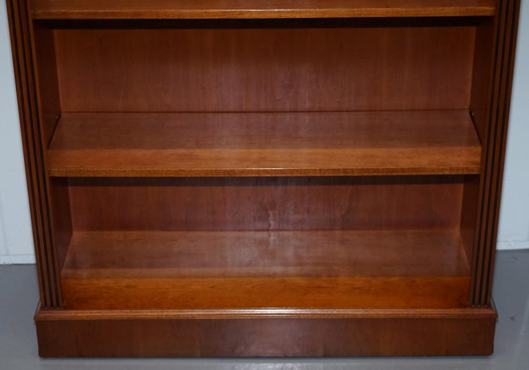 20th Century Lovely Burr Yew Wood Library Legal Bookcase with Height Adjustable Shelves For Sale