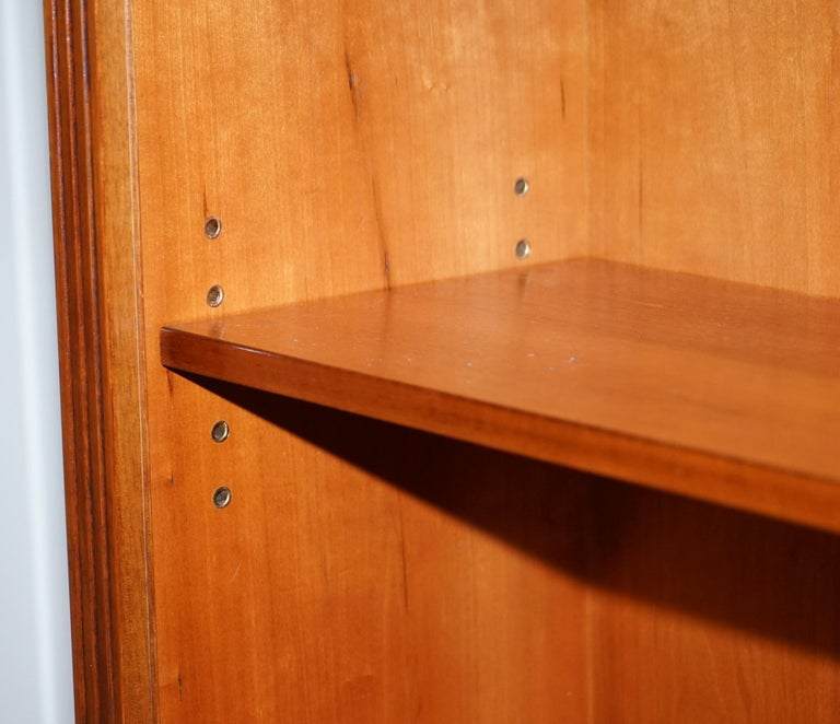 Lovely Burr Yew Wood Library Legal Bookcase with Height Adjustable Shelves For Sale 5
