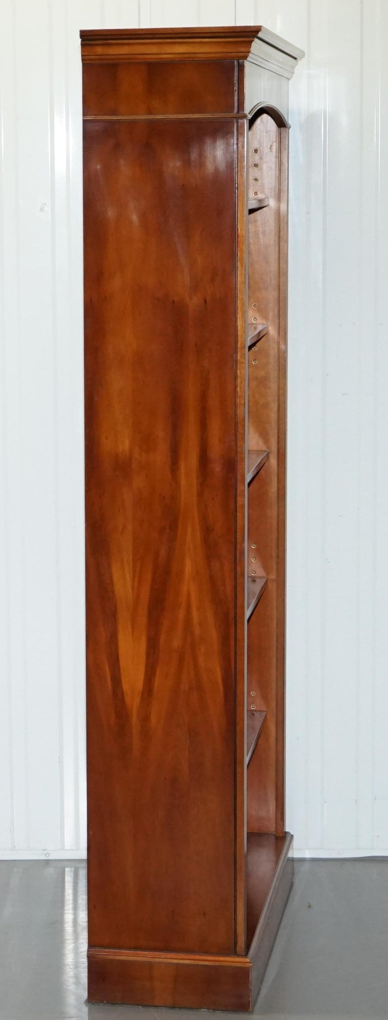 Lovely Burr Yew Wood Library Legal Bookcase with Height Adjustable Shelves For Sale 6