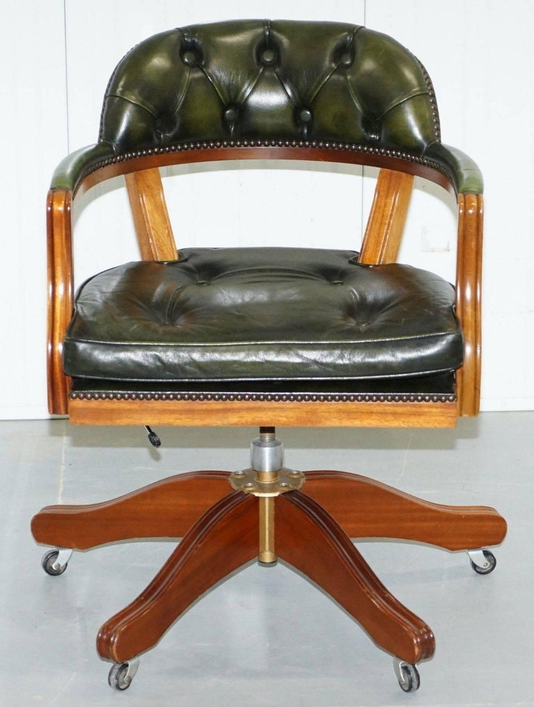 Admirable Lovely Cushioned Chesterfield Admirals Court Captains Aged Green Leather Chair Machost Co Dining Chair Design Ideas Machostcouk