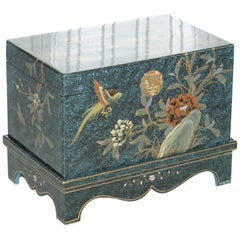 Lovely Decorative Chinese Chinoiserie Style Painted Trunk or Blanket Chest Box