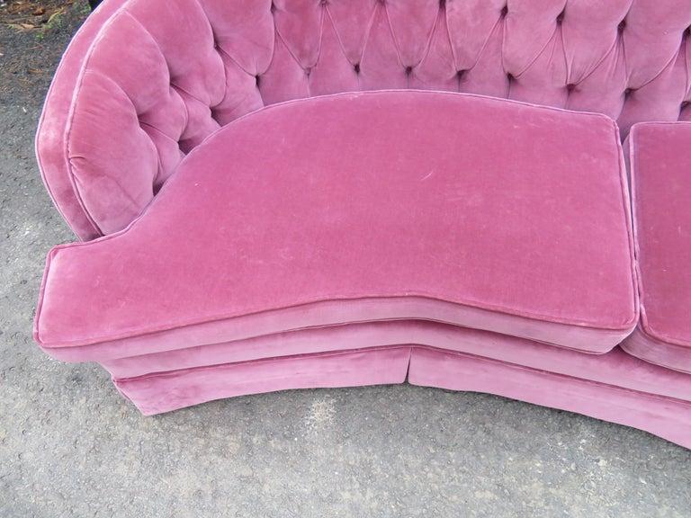 American Lovely Dorothy Draper Style Lilac Velvet Curved Tufted Sofa Hollywood Regency For Sale