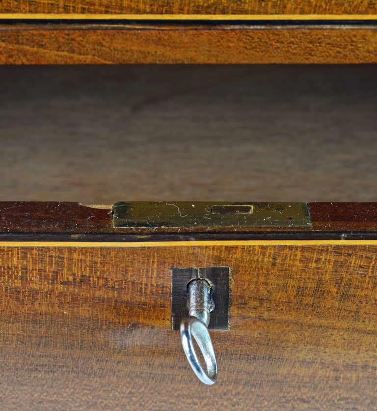 Lovely English George III Mahogany Miniature Chest of Drawers or Jewelry Chest For Sale 7