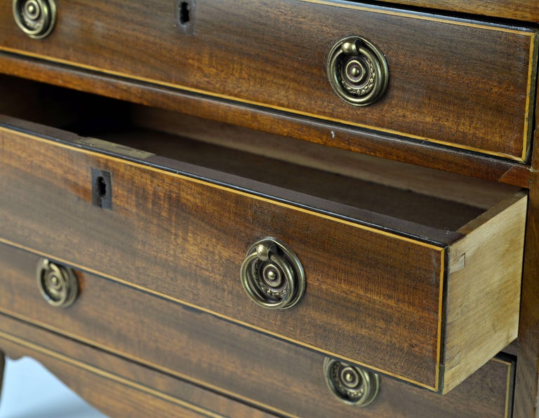 Lovely English George III Mahogany Miniature Chest of Drawers or Jewelry Chest For Sale 2