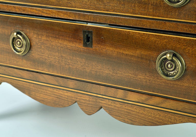 Lovely English George III Mahogany Miniature Chest of Drawers or Jewelry Chest For Sale 3