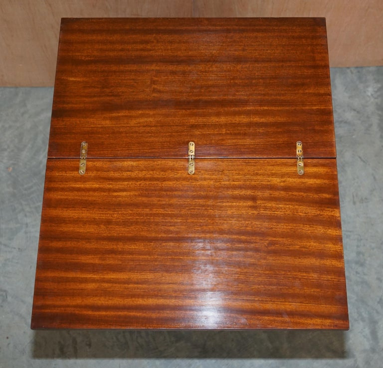 Lovely Flamed Mahogany Batchelors Chest of Drawers with Folding Butlers Shelf For Sale 4