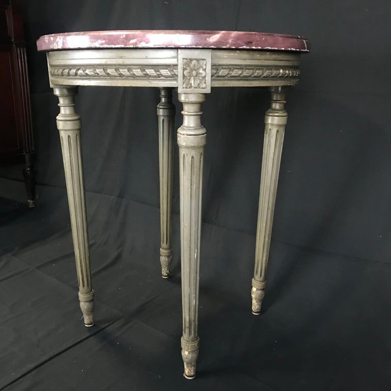 Early 20th Century Lovely French Carved Wood and Marble Top Side End Table For Sale