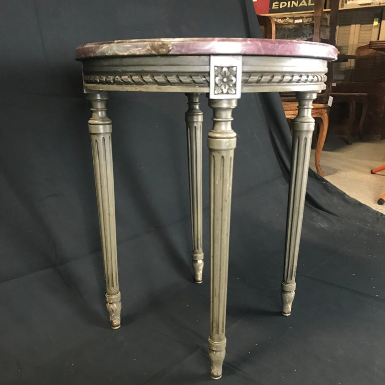Lovely French Carved Wood and Marble Top Side End Table For Sale 1