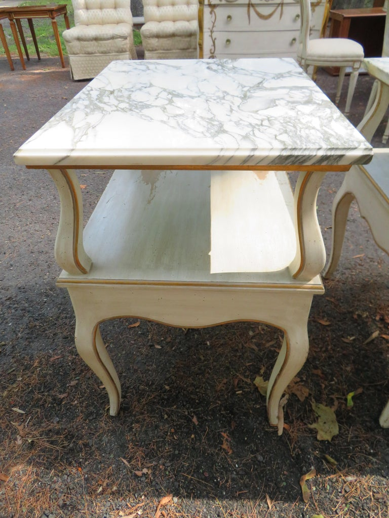 Lovely Pair of Dorothy Draper Style Marble-Top Nightstands Hollywood Regency For Sale 1