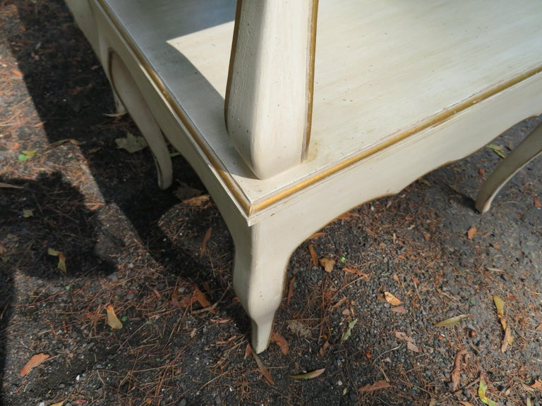 Lovely Pair of Dorothy Draper Style Marble-Top Nightstands Hollywood Regency For Sale 3
