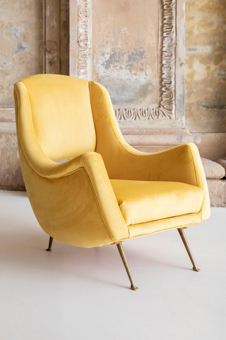 Lovely Pair of Armchairs Attributed to Carlo de Carli For Sale 1