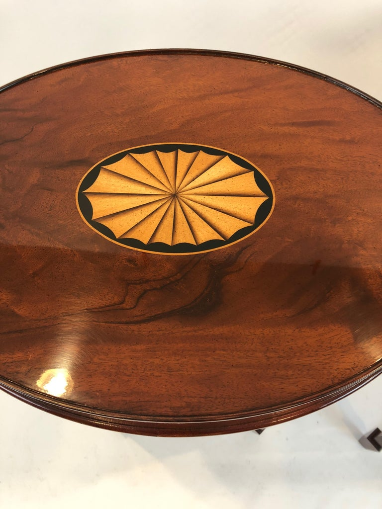 Lovely Pair of Heckman Oval Flame Mahogany Side Tables In Excellent Condition For Sale In Hopewell, NJ