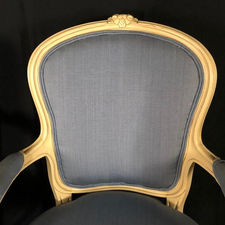 North American Lovely Pair of Painted Louis XV Style Bergère Armchairs For Sale
