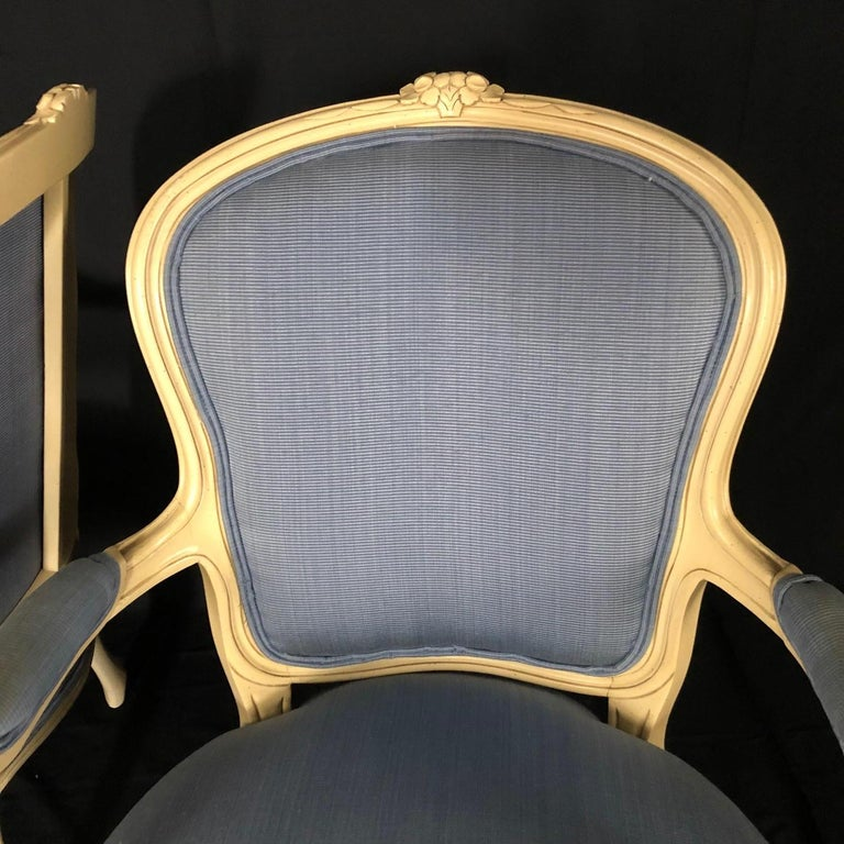 Lovely Pair of Painted Louis XV Style Bergère Armchairs In Good Condition For Sale In Hopewell, NJ