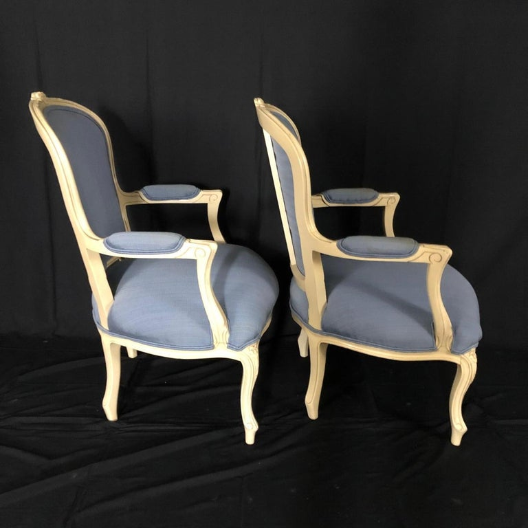 Lovely Pair of Painted Louis XV Style Bergère Armchairs For Sale 3