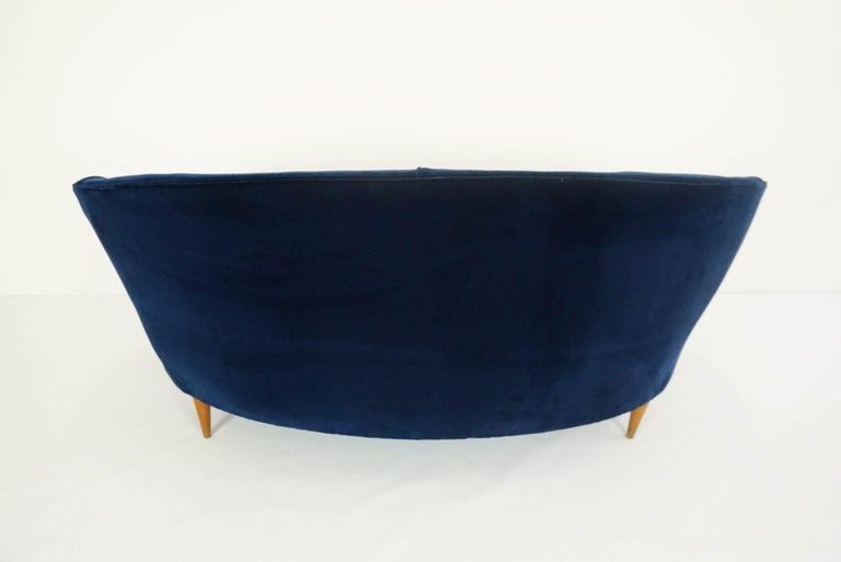 Mid-20th Century Lovely Small Curved Sofa in Luxury Blue Velvet For Sale