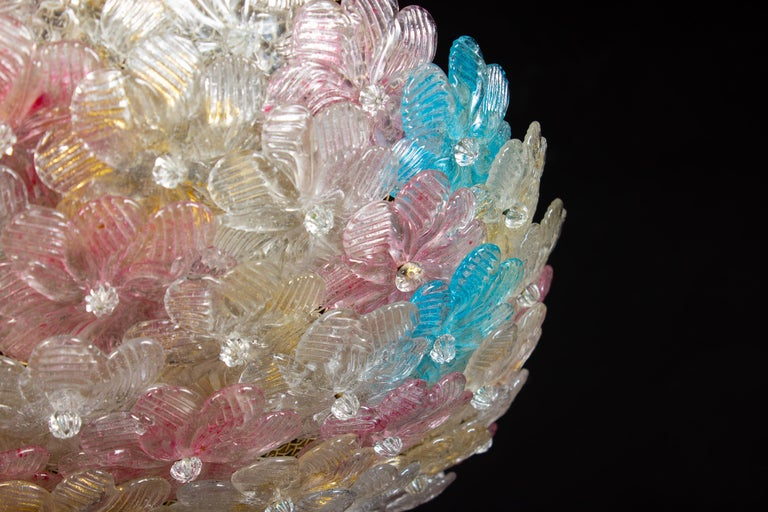 Lovely Venetian Ceiling Flowers Basket by Barovier & Toso, 1950s In Excellent Condition For Sale In Rome, IT