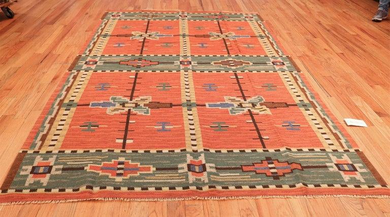 Wool Lovely Vintage Scandinavian Swedish Kilim. Size: 6 ft 4 in x 9 ft 8 in For Sale