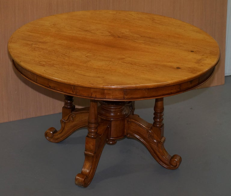 lovely vintage solid golden mahogany round dining table