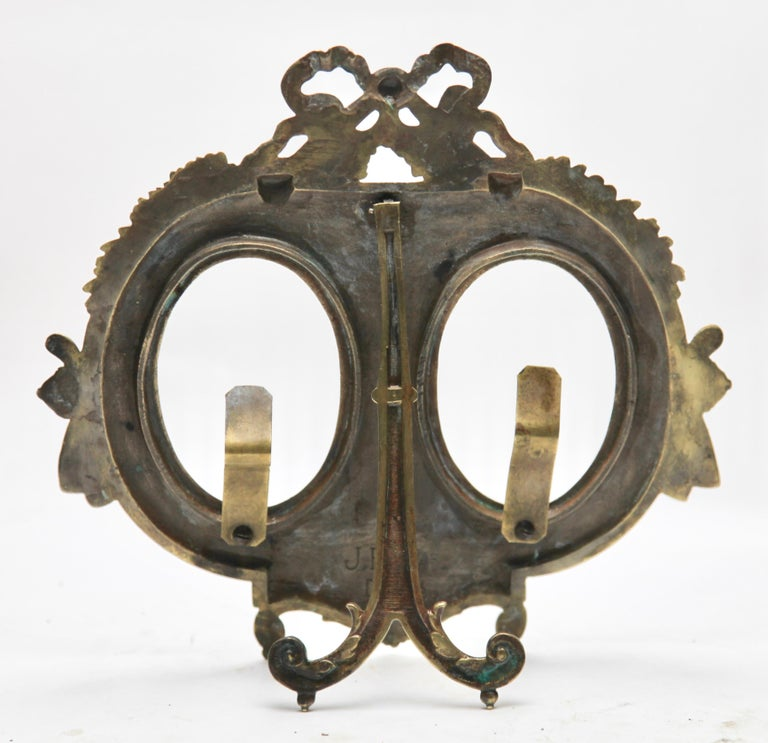 'Lover's Knot' Double Picture Frame, Polished Brass, Made by J.H. France, 1900s For Sale 1