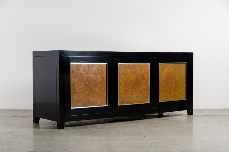Cloissoné Low Cabinet with Amber Shargreen Cloisonné Panel by Robert Kuo, Limited Edition For Sale