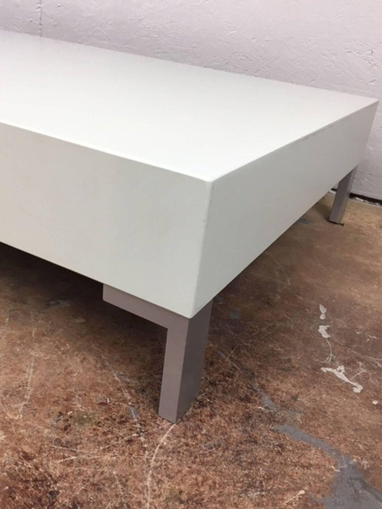 Mid-Century Modern Low Coffee Table or Sculpture Display Table For Sale
