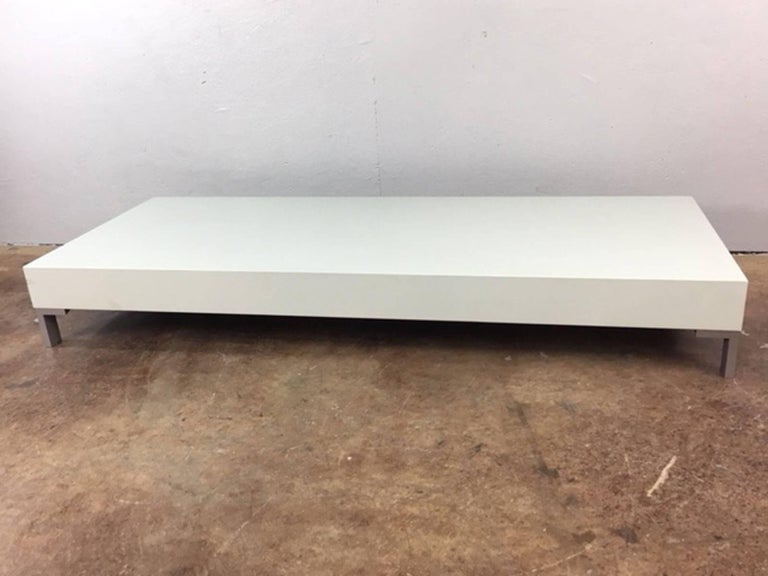 Low Coffee Table or Sculpture Display Table In Excellent Condition For Sale In Phoenix, AZ