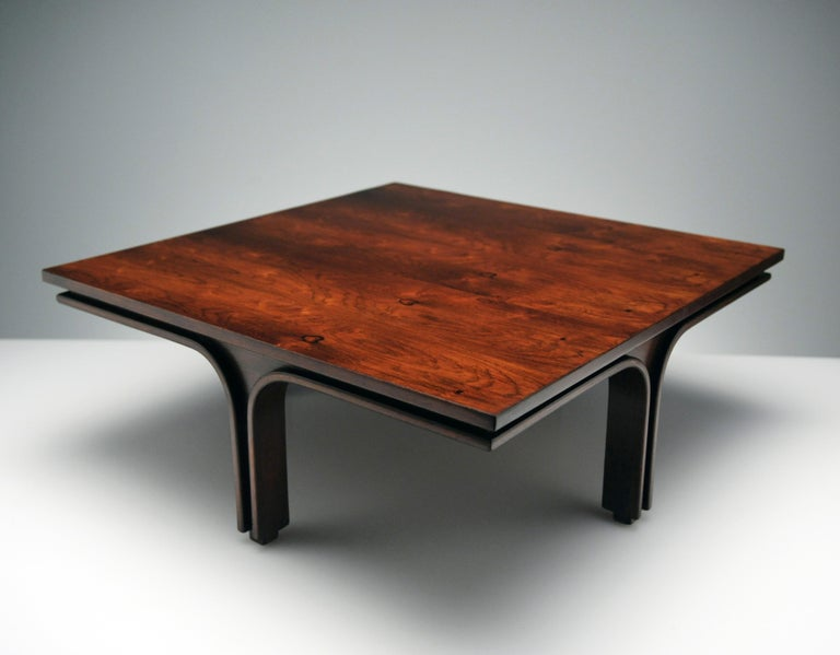 Low Italian Modern Rosewood Coffee Table by Gianfranco Frattini, 1956 In Good Condition For Sale In Washington, DC