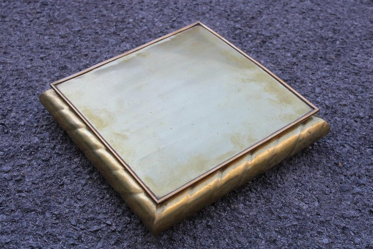 Low large square box in solid Italian 1970s brass with lid.