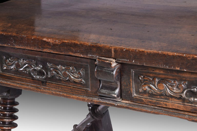 Low Table 'Estrado Table', Walnut, Wrought Iron, Spain, 17th Century For Sale 7