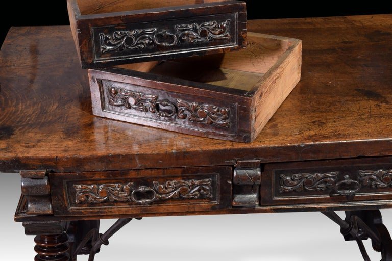 Spanish Low Table 'Estrado Table', Walnut, Wrought Iron, Spain, 17th Century For Sale