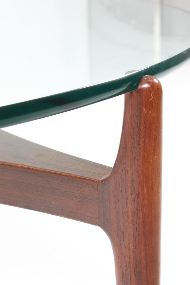 Low Table in Rosewood with Glass Top In Excellent Condition For Sale In Lejre, DK