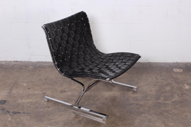 A nicely patinated leather strap 'Laura' lounge chair designed by Ross Littell for ICF.