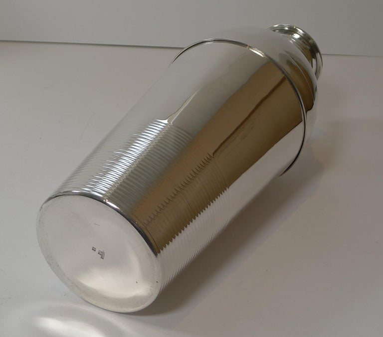 Luc Lanel For Christofle, Ondulations Cocktail Shaker, c.1935 In Good Condition In London, GB