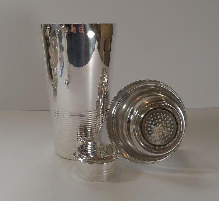 Mid-20th Century Luc Lanel for Christofle, Ondulations Cocktail Shaker, c.1935 For Sale