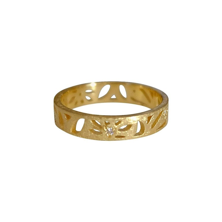 Contemporary Luca Jouel Diamond Floral Motif Ring in Yellow Gold For Sale