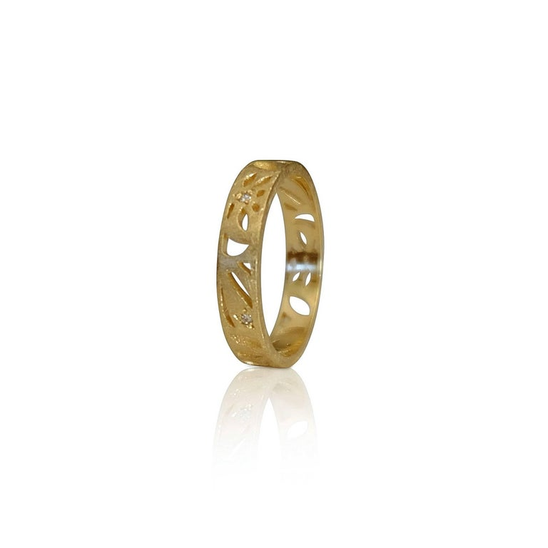 Women's Luca Jouel Diamond Floral Motif Ring in Yellow Gold For Sale
