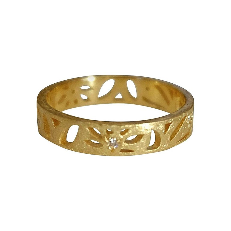 Luca Jouel Diamond Floral Motif Ring in Yellow Gold For Sale
