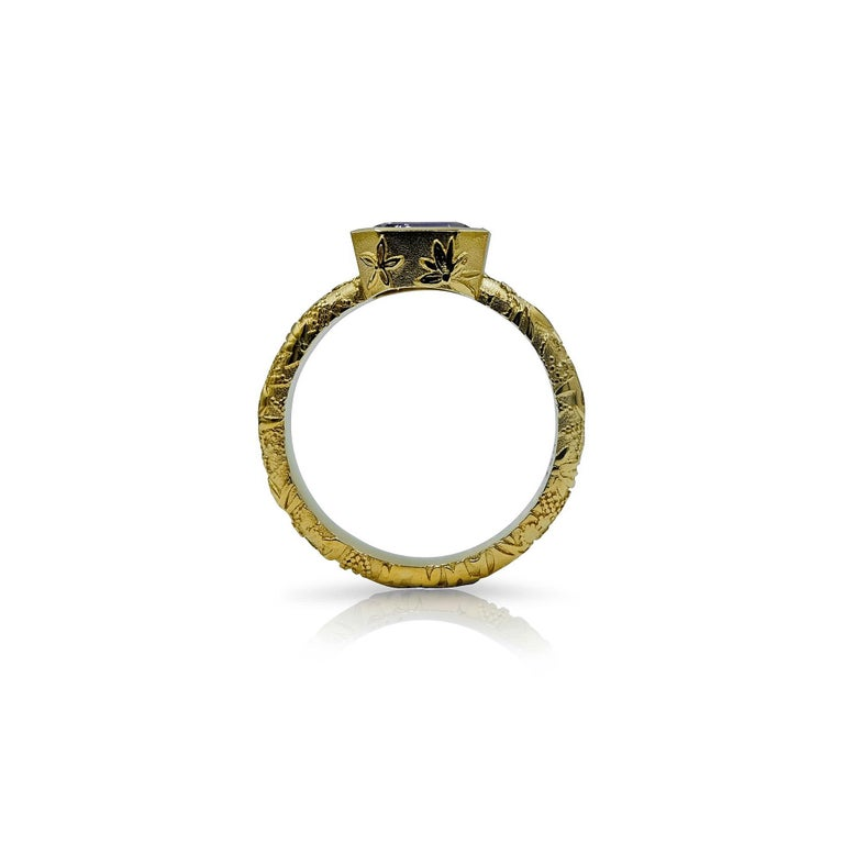 Luca Jouel Natural Violet Sapphire Ornate Ring in Yellow Gold In New Condition For Sale In South Perth, AU