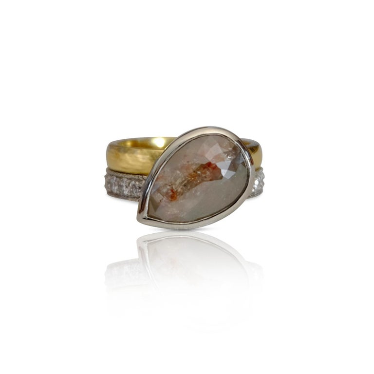 Luca Jouel One of a Kind Parti-Pear Diamond in Yellow Gold and Platinum Ring For Sale 5
