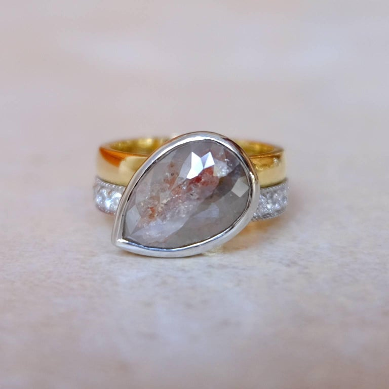 Luca Jouel One of a Kind Parti-Pear Diamond in Yellow Gold and Platinum Ring In New Condition For Sale In South Perth, AU