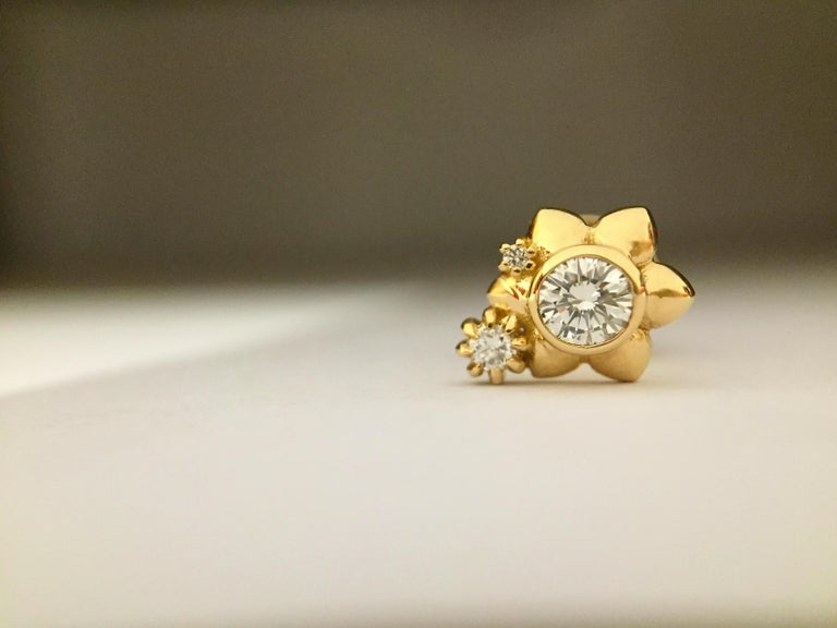 Contemporary Luca Jouel Orientālī Diamond Flower Stud Earring in Yellow Gold