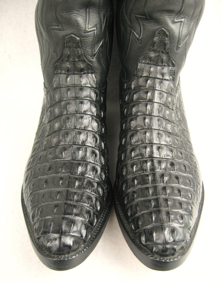 Lucchese Black Horned Back Alligator Cowboy Boots, Men's Size 10 D, in Excellent Pre-Owned Condition. Soft and supple handmade boots.   Please be sure to check our storefront for more fashion as we have both Vintage and Contemporary fashions. ready
