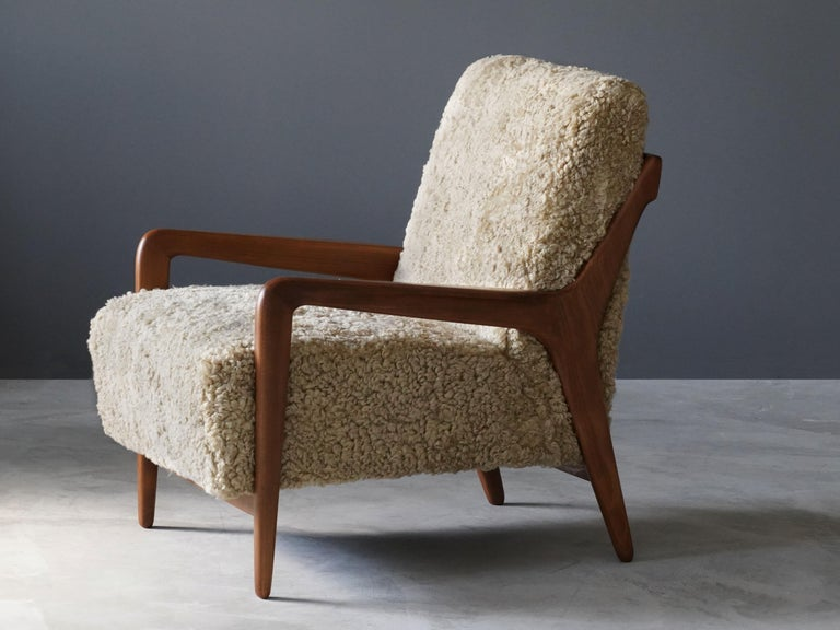 Mid-Century Modern Lucchini & Lissone, Lounge Chair, Stained Beech, Beige Sheepskin, Italy, 1950s For Sale