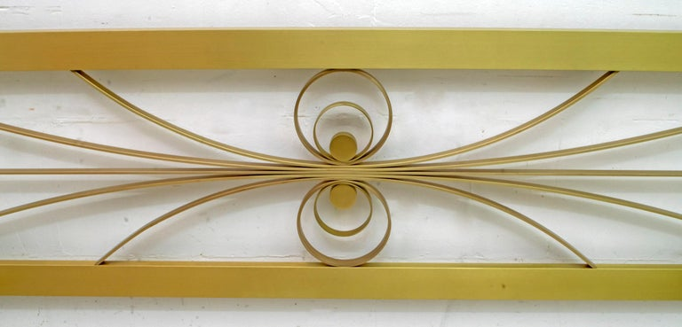 Luciano Frigerio Mid-Century Modern Gilded and Satin Brass Double Bed, 1970s In Excellent Condition For Sale In Cerignola, Italy Puglia